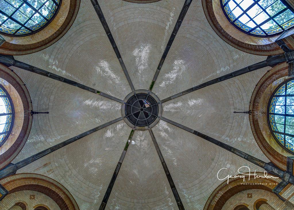 Baderaum mit Kuppelhalle